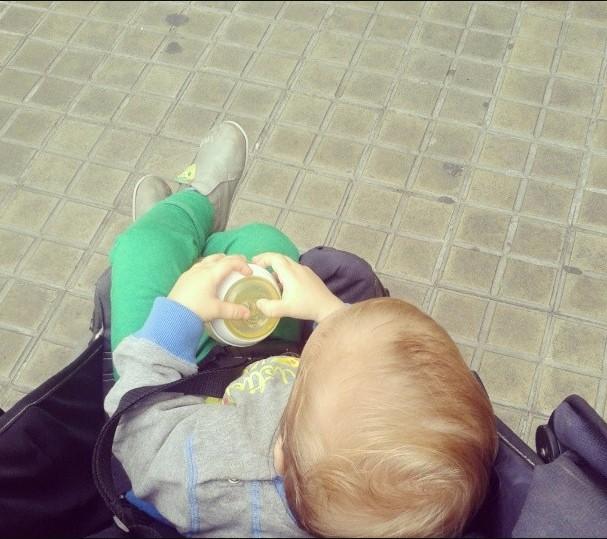 bebe n'aime pas la poussette