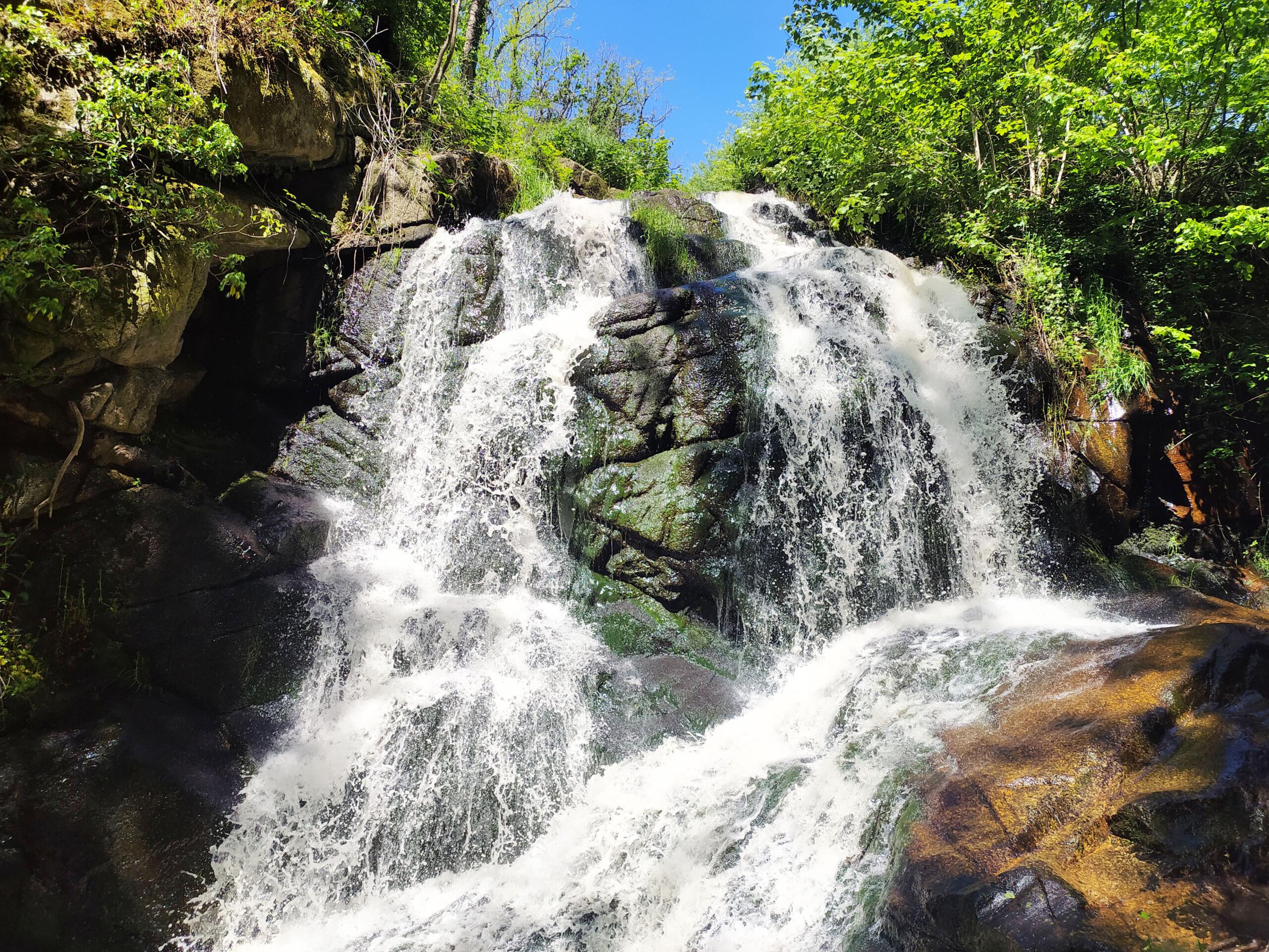 Les gorges de Narvau dans le parc naturel du Morvan