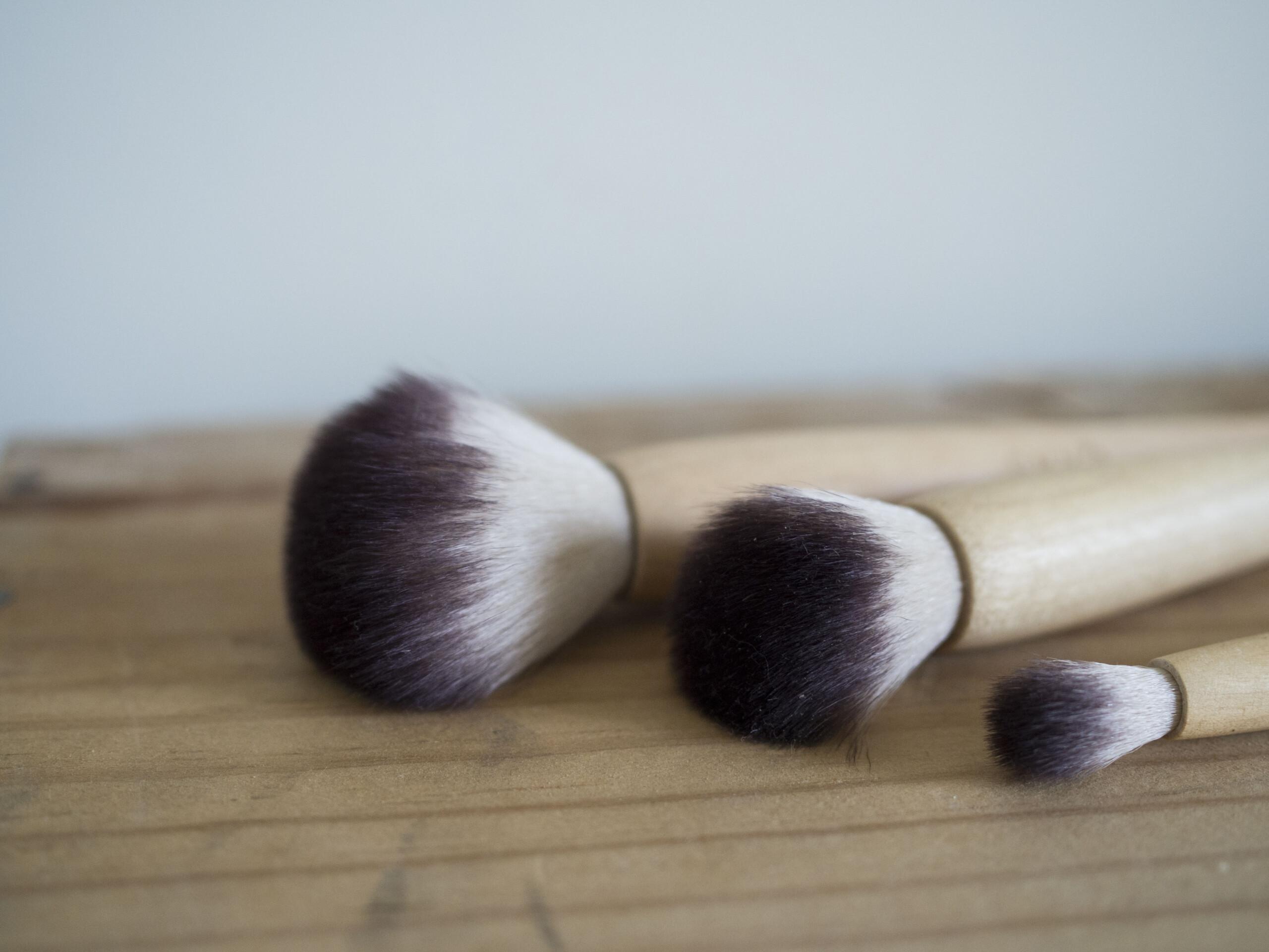 pinceaux en bois certifiés FSC™ Omnia-Botanica